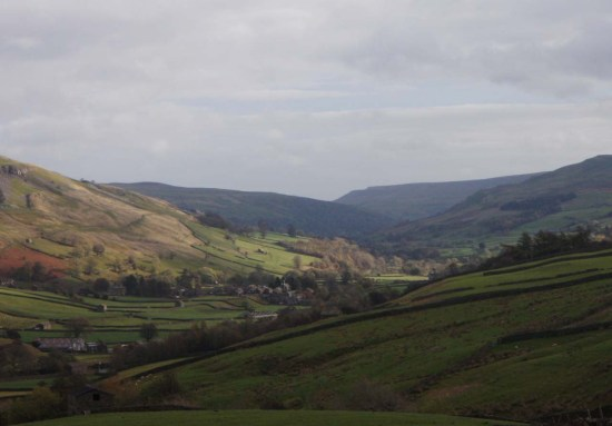 swaledale from buttertubs