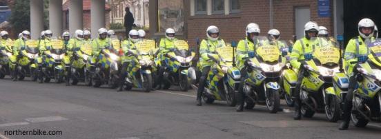 York - tour de Yorkshire - police escort bikes