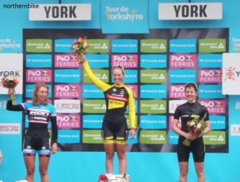York - tour de Yorkshire - women's podium