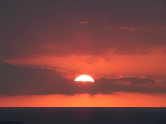 Nice, Baie des Anges; lever du soleil